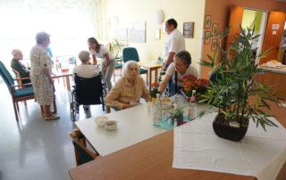"""Aktionswoche """"Wiesbaden Engagiert!"""" 2017 Caritas Altenwohn- und Pflegegesellschaft mbH Haus Sankt Hedwig HUMAN Foto: Annika List"""